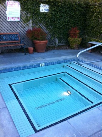 Wine Country Inn & Cottages:                   Hot tub