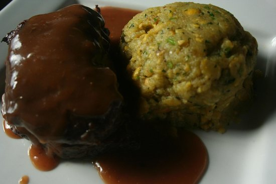 De Lirious: Skirt steak with a side of delicious Mofongo