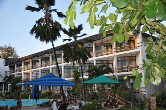 Travellers Beach Hotel & Club:                   Aussen ansicht