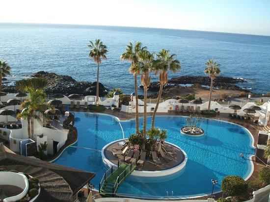 Santa Barbara Golf & Ocean Club:                   Veiw of the pool