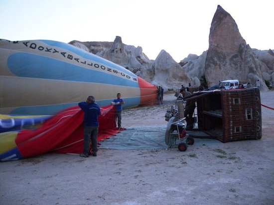 Atmosfer Balloons:                   getting the balloon ready to go