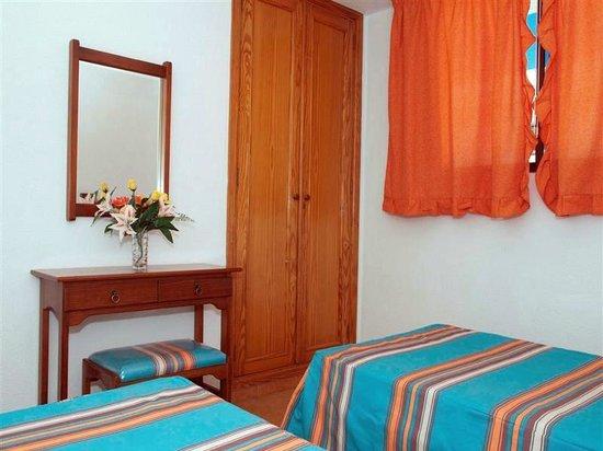 Apartamentos Gelimar: Bedroom
