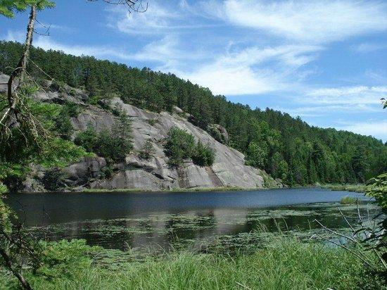 Duhamel, Canada:                                                                         Sentier pédestre: La Rou