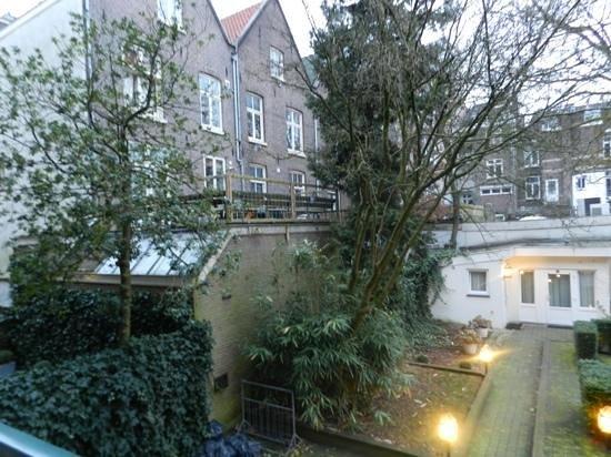 Hotel Alexander:                   jardin