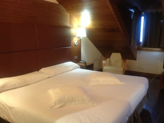Hotel Riberies:                   Chambre spacieuse