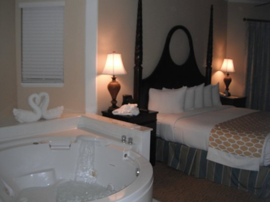 Hilton Grand Vacations at SeaWorld: jacuzzi