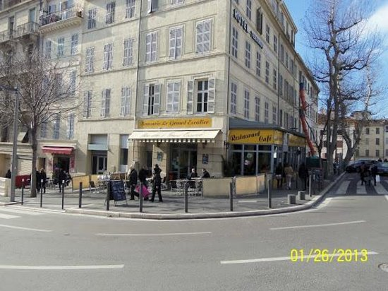 Hotel balladins Marseille Gare:                   cafe right across the street from the hotel, good for all meals especially bre