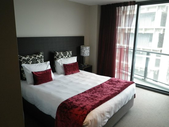 Rydges Wellington:                   Bed