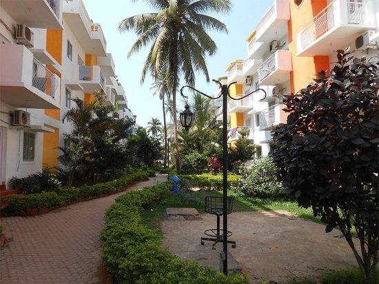 Resort Village Royale:                   Walkway