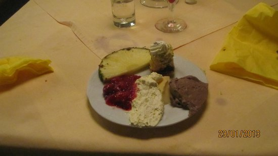 Schwarzer Adler Gasthof:                                     an assortment of dinener deserts