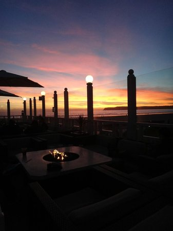 Sun Deck Bar and Grill:                   Sunset from the bar