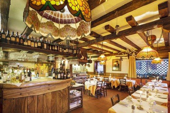 Il legno e il vetro che scaldano picture of ristorante for Arredamento per fast food