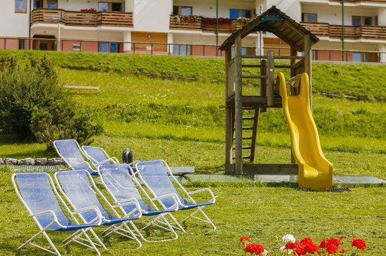 Ristorante El Zoco: Le sdraio per mamme e papà, i giochi per i bimbi