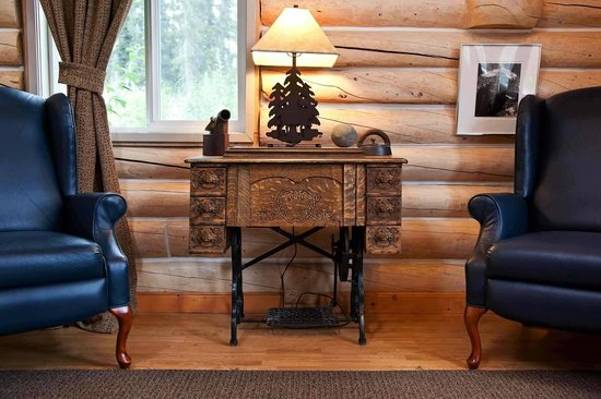 Ultima Thule Lodge: All cabins were made by hand from local timbers