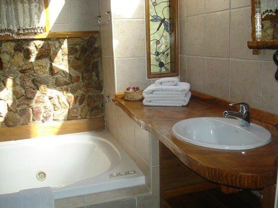 Cabanas Duendes del Maiten : Baño