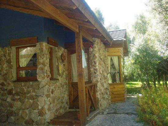 Cabanas Duendes del Maiten : Cabaña desde el exterior