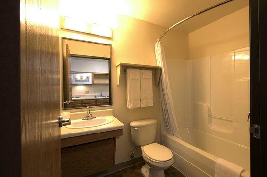 Value Place Oklahoma City, Oklahoma (East/Tinker AFB) : Bathroom