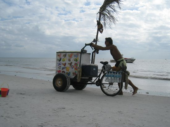 Lani Kai Island Resort:                   Ice cream man!