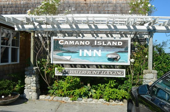 Camano Island Inn: What you see as you enter the Inn.
