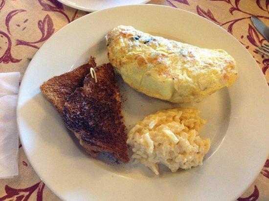 Bochy's Bistro:                                     Portabella & Ham omelet