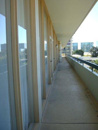 Chifley on South Terrace : common balcony