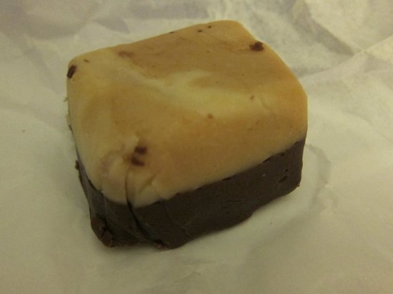 Hawaii Fudge Company: Chocolate Peanut Butter Fudge