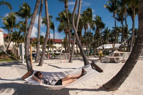 Casa Marina, A Waldorf Astoria Resort:                                     Hotel beach area