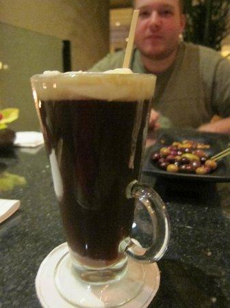 Lobby Lounge at Four Seasons Resort: Coffee drink- Yum!