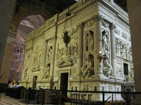 Santuario Della Santa Casa :                   LA SACRA CASA