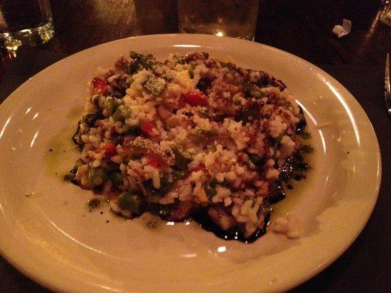 Smokin' Betty's: vegetarian dish with rice pasta.  Tasty.