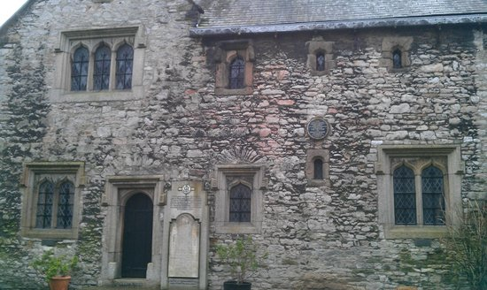 Prysten House: Main entrance viewed from south door of St Andrews.