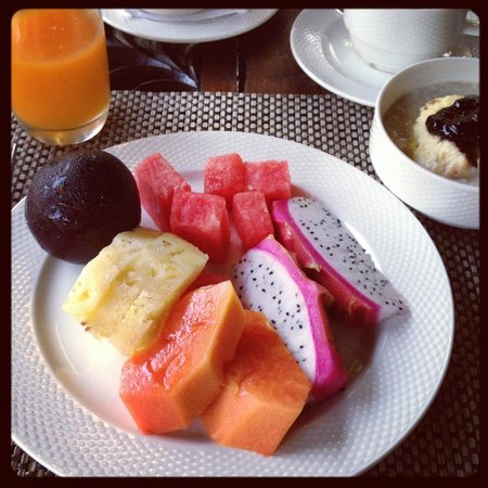 Tanjung Rhu Resort:                   fruits