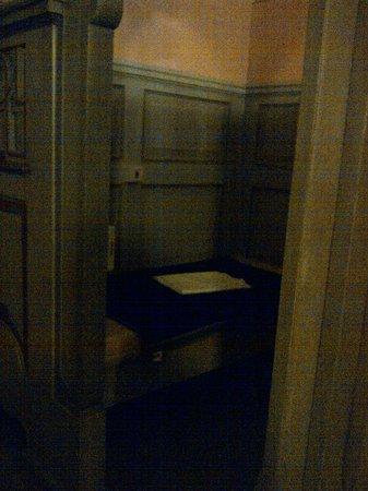 corridor in the cubicle sauna suite bild von m llersches volksbad m nchen tripadvisor. Black Bedroom Furniture Sets. Home Design Ideas