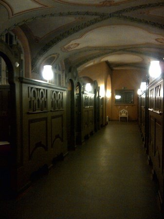 Mullersches Volksbad: corridor in the sauna suite