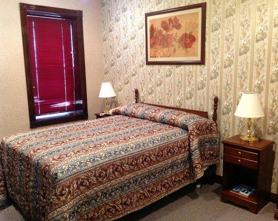 Hotel 17: Double Room