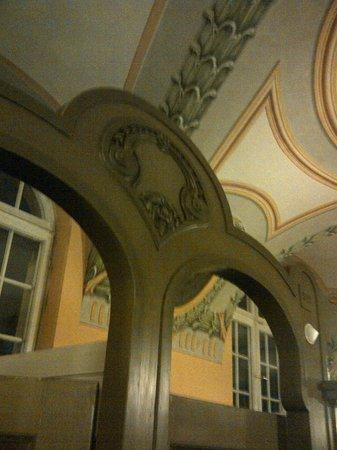 Mullersches Volksbad : judenstil wall painting in the sauna suite