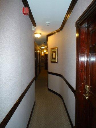 Hotel 17: Hallway