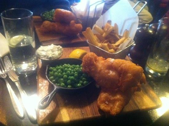 Thomas Moore Tavern: Fish & Chips