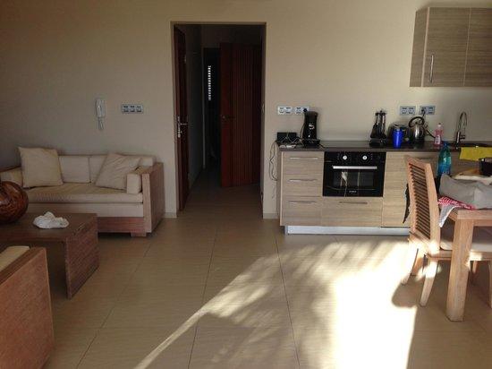 La Maya Beach Luxury Apartments: Kitchen / Living room
