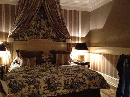 Tiara Chateau Hotel Mont Royal Chantilly:                                                       Chambre