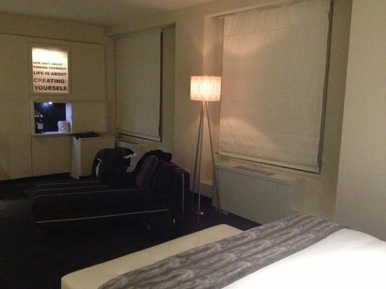 W Chicago - City Center:                   Large room                 