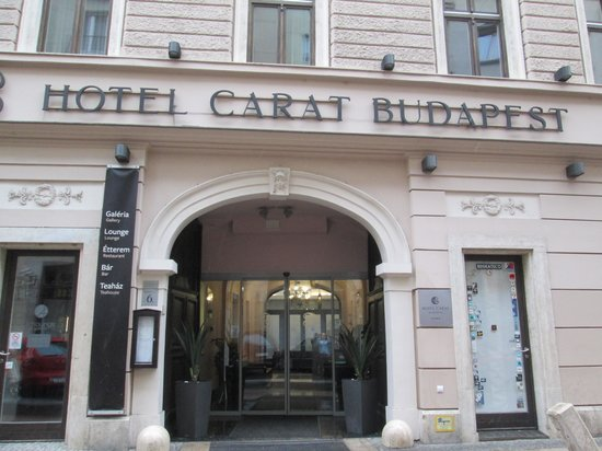 Carat Boutique Hotel: Outside
