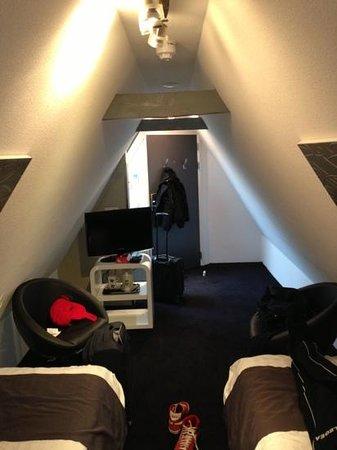 Hotel CC:                   stanza piccola