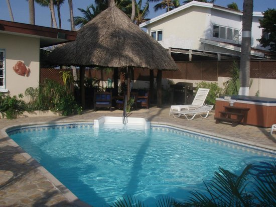 Aruba Sunset Beach Studios:                   Sunset Beach Pool and Palaypa