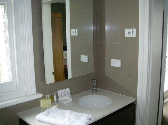 Clydesdale Manor: Bathroom