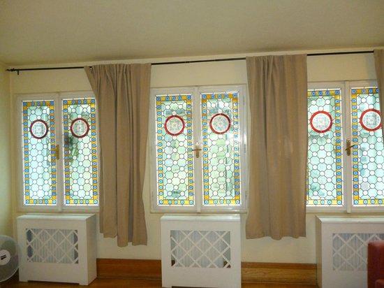Charles Bridge Residence:                   ventanas
