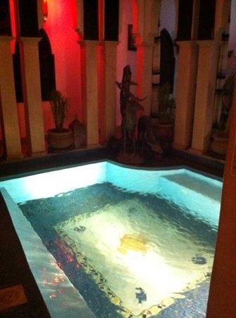 Ryad Laarouss:                   piscina