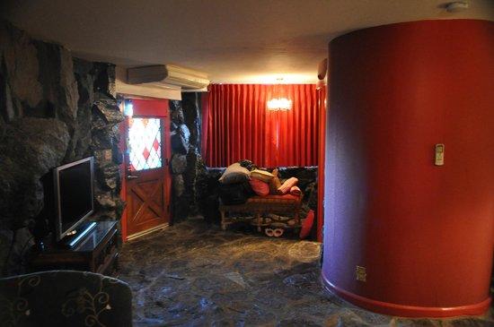 Madonna Inn:                   Room