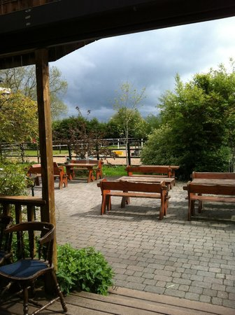 Weavers Inn: View from Smoking Area