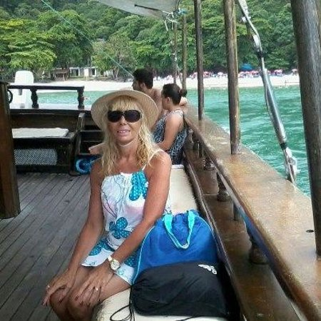 Hotel Porto Di Mare:                   Desde Ubatuba..en barco..hacia Isla 7 Fuentes